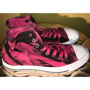 🌸NWOT🌸CONVERSE Classic Sneakers🌸